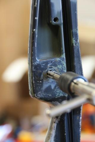 restauration d'un pas-de-vis abimé sur une poignée Oneida (ancien modèle)